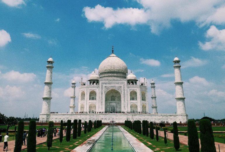 Namasteee एंजेलीना कहते हैं: Ταξίδι στην πολύχρωμη Ινδία