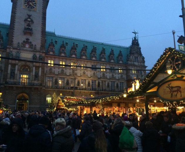 Γνωρίστε το Αμβούργο μέσα από τις χριστουγεννιάτικες αγορές του!