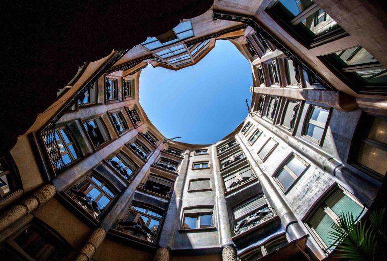 #Μένουμε_σπίτι: Επανεξετάζοντας την έννοια της κατοικίας